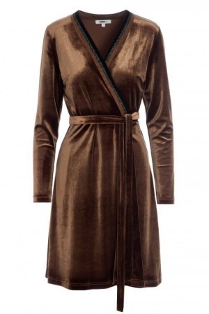 Katrin Uri Cognac omlott velourkjole 'Lounge Wrap Dress'